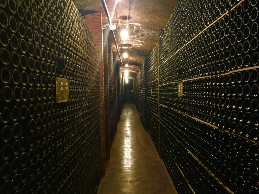 What is a Wine Club? Should I Join One? D4567716 BAF8 462C A872 B2B9D232CD22 1