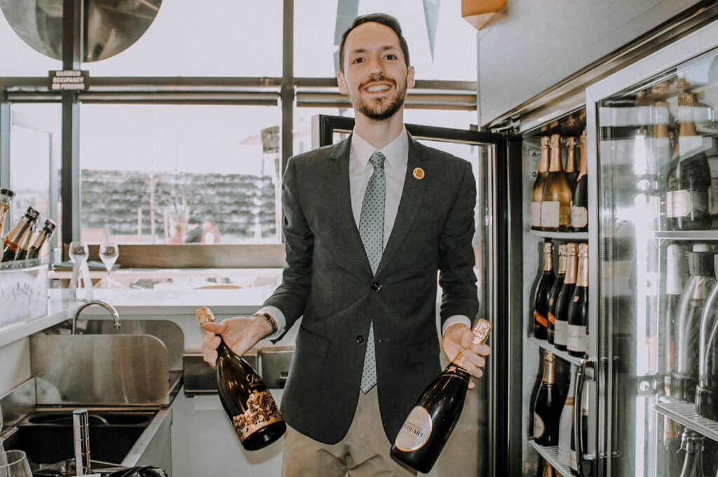 Champagne Club bring2