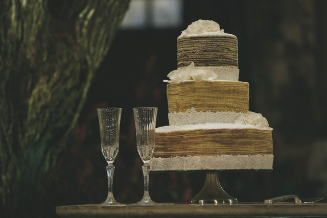 Sweet Champagne - Doux, Demi Sec, Sec sweet champagne with cakes